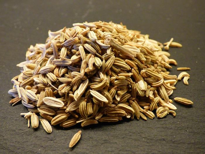 semi di finocchio mucchietto