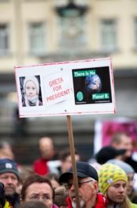Cartello di protesta in onore di Greta Thunberg - Greta presidente