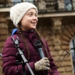 La giovane attivista sedicenne svedese protesta contro il cambiamento climatico sulla terra