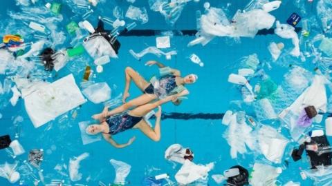 Kate-Shortman-Isabelle-Thorpe-plastic-garbage