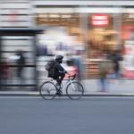 Ciclista urbano zero emissioni