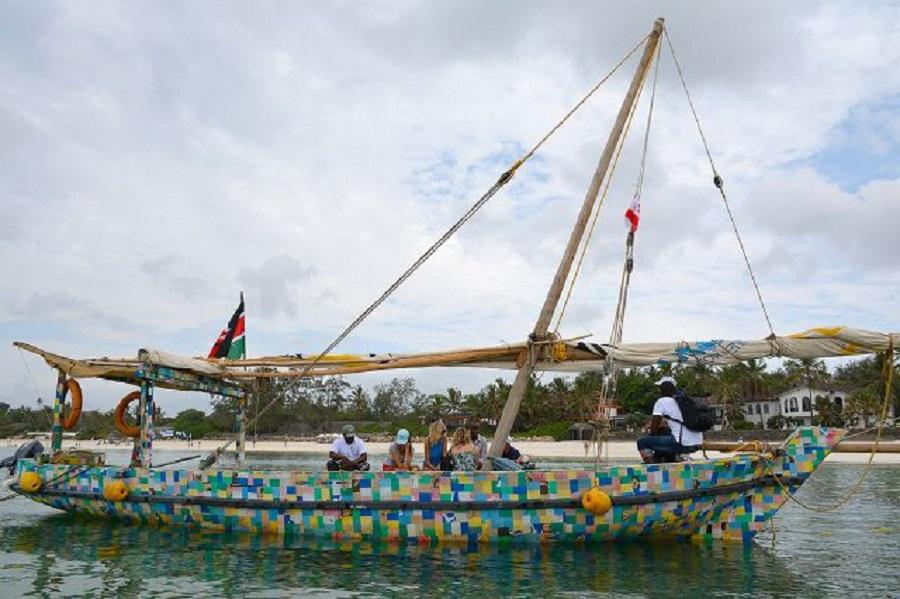 #Plasticrevolution: il progetto FlipFlopi in Kenya combatte l'uso della plastica