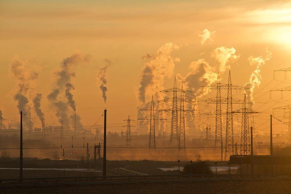 Industrie inquinanti paesaggio deturpato antropocene