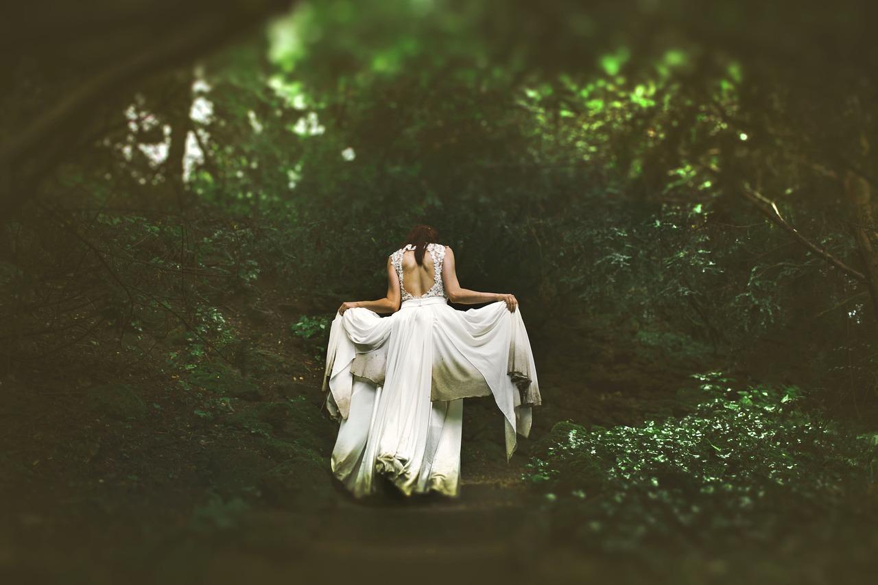 Matrimonio celtico: l'incanto del bosco per la promessa del Sole alla Luna