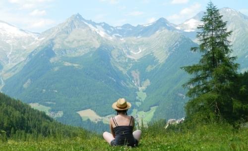 Considerato il re dei sentieri, il Sentiero dellAquila è uno dei cammini a lunga percorrenza del Tirolo.