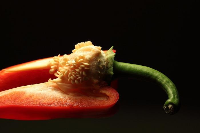 peperone tagliato semi