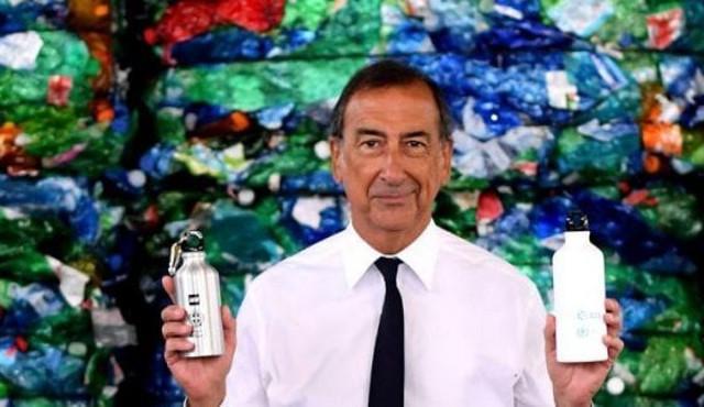 Guerra contro bottiglie acqua plastica Comune di Milano