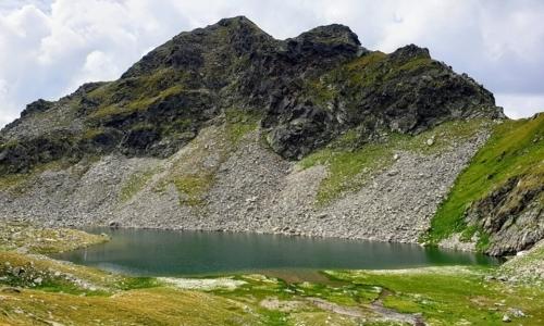 Alta Via di Fundres: è un percorso escursionistico ad alta quota che richiede esperienza e buona forma fisica.