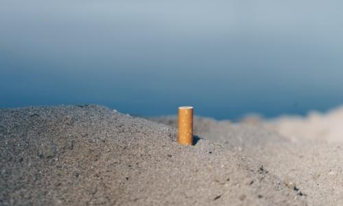 Le cicche di sigarette restano il rifuto più diffuso sulle spiagge di tutto il mondo anche nel 2018.