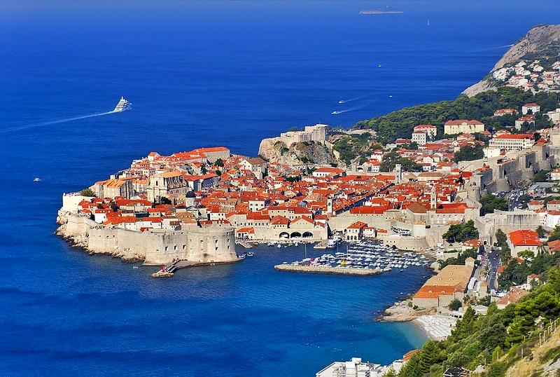 Sovra-Turismo Dubrovnik foto di Enrico Pighetti via Flickr