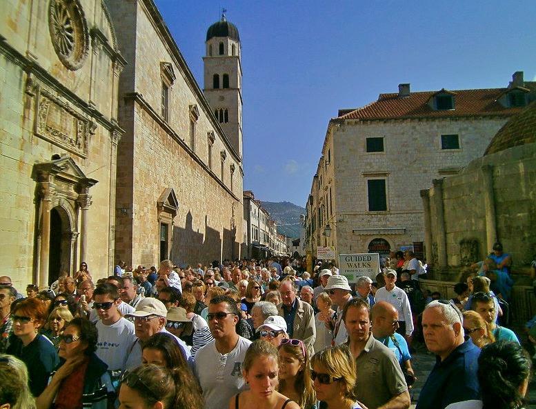 Sovra-Turismo a Dubrovnik (foto di amanderson2, Flickr)