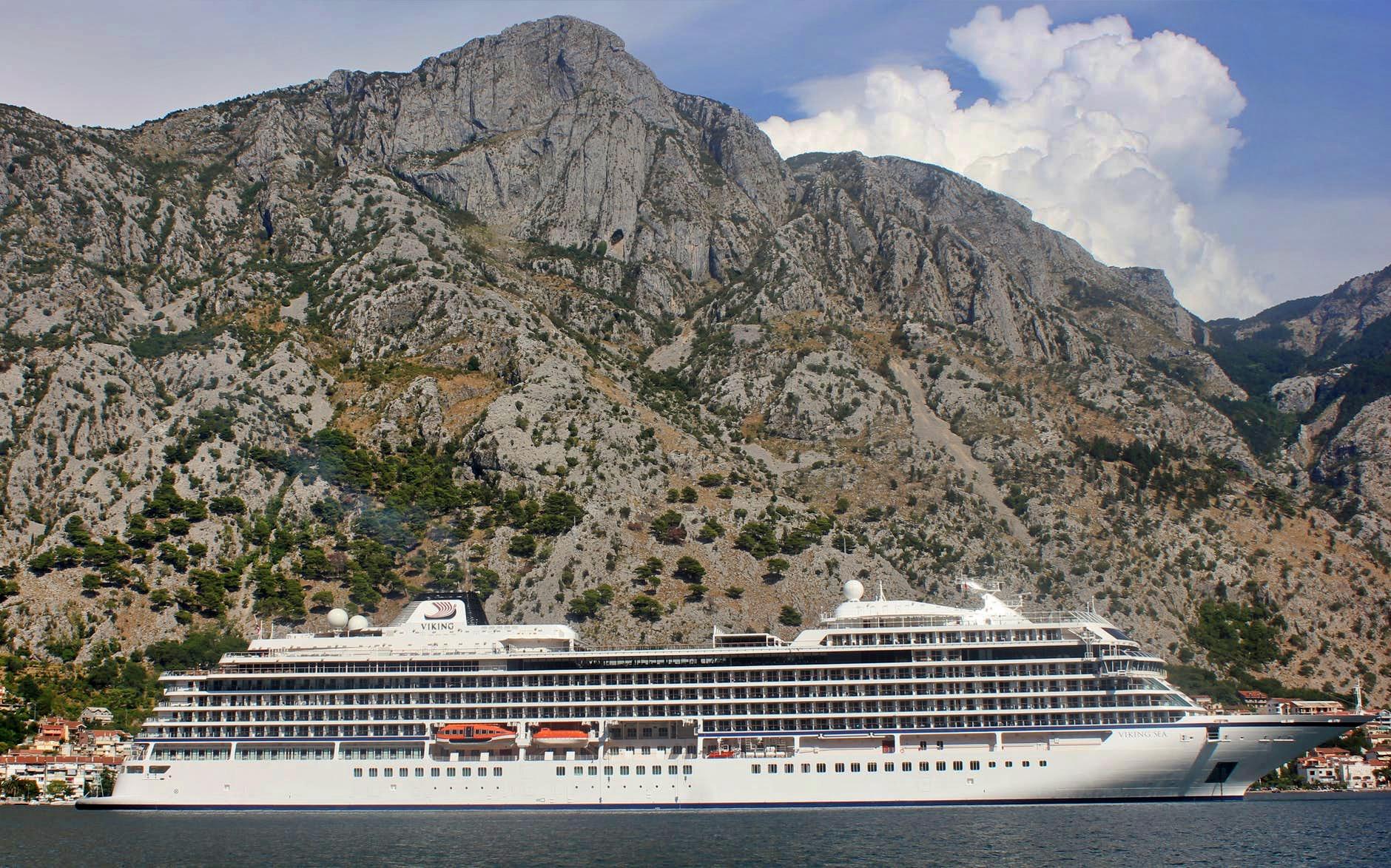 Sovra-Turismo Kotor Bay foto di Milan Radnic
