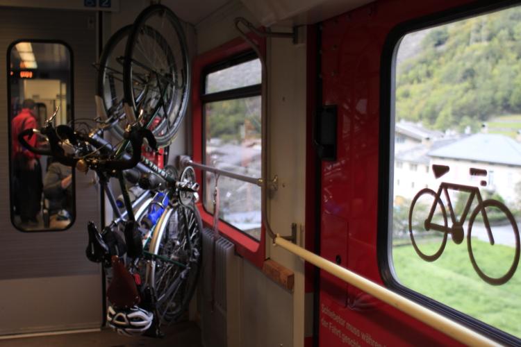 Trenino-rosso-del-Bernina-ph-Francesco-Rasero-eHabitat-_MG_7450-750x500.jpg