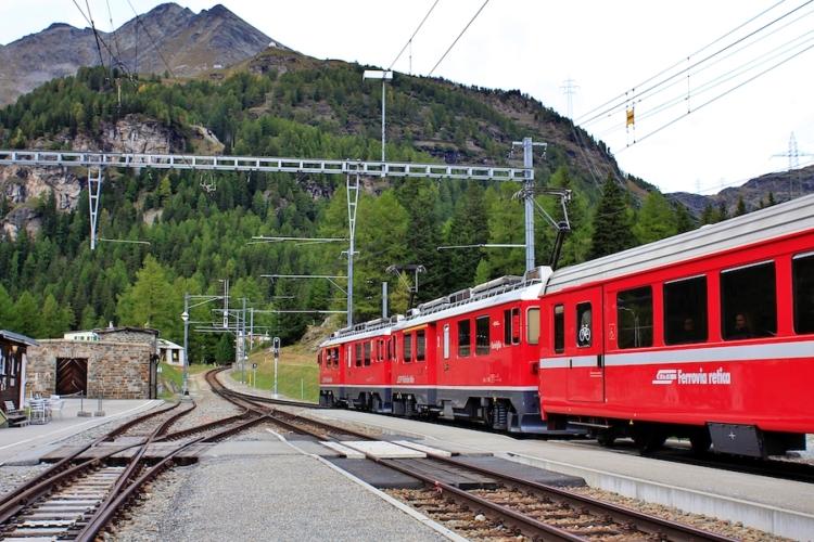 Trenino-rosso-del-Bernina-ph-Francesco-Rasero-eHabitat-_MG_7499-750x500.jpg