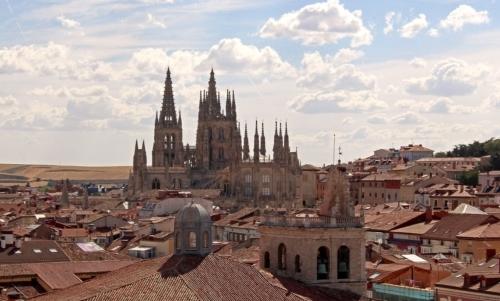Burgos vanta architettura medievale ben conservata ed un interessante cattedrale gotica.