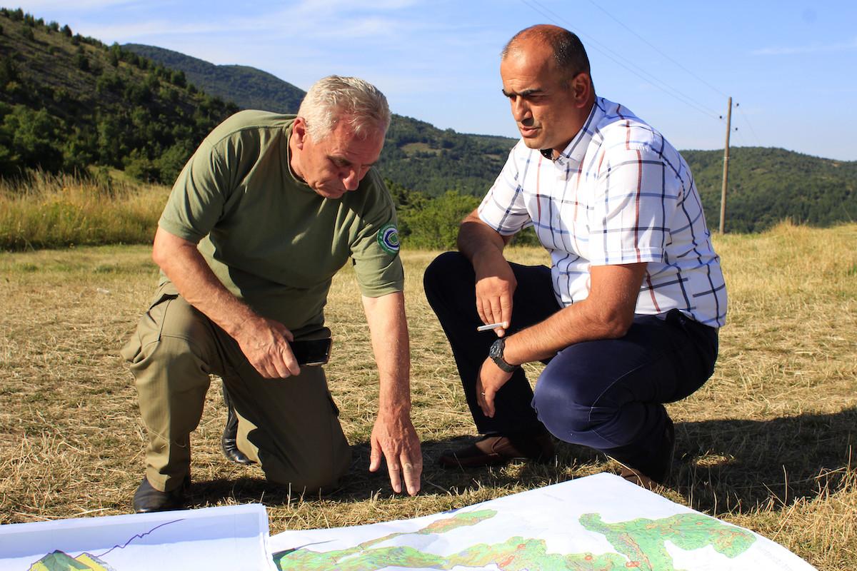 Lince dei Balcani Esperti forestali nel parco nazionale di Sharr, in Kosovo (foto di Francesco Rasero - FVR!)