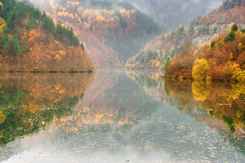 Autunno sui monti Rodopi turismo in Bulgaria