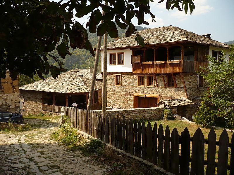Turismo in Bulgaria: abitazione tradizionale a Kovachevitsa, nel sud (foto di Petko Yotov)