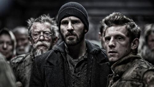 """Chris Evans (al centro) in """"Snowpiercer"""" kolossal del 2013 che coniuga, fantascienza, ecologia e lotta di classe."""