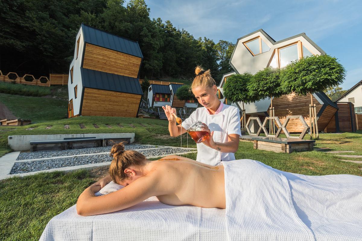 apiturismo-slovenia-F010192-medena_vas_mozirje_medena_masaza_jost_gantar-photo-m.jpg