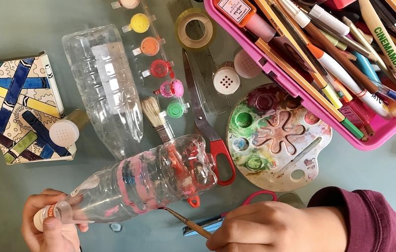 5 attività da realizzare con i bambini sull'inquinamento da plastica