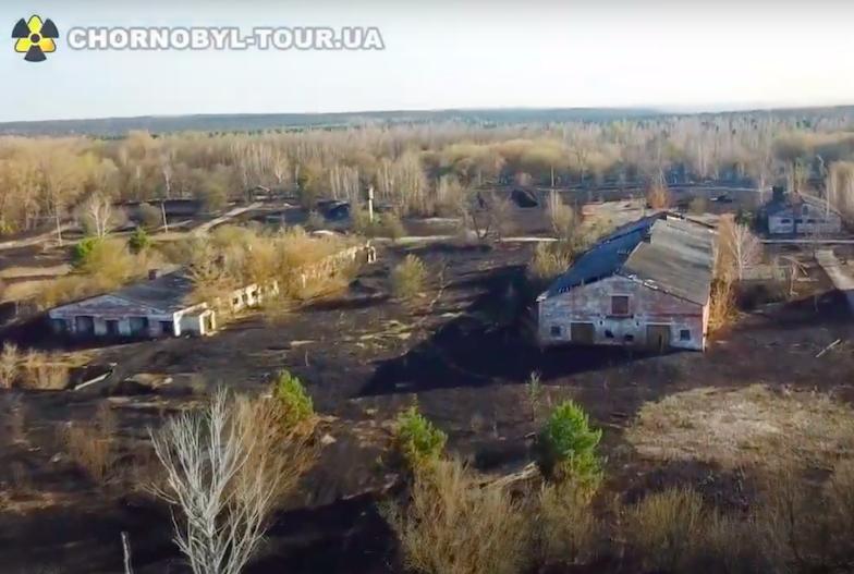 Ripresa dal drone degli effetti degli incendi nella Zona di esclusione di Chernobyl (immagine fornita da Chornobyl Tour)