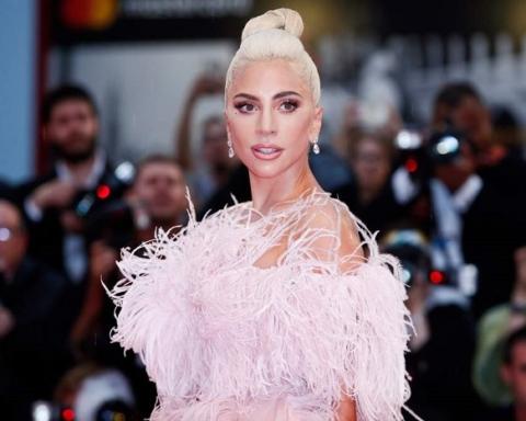 -Lady Gaga-