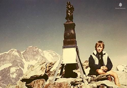 Un giovane Giulio Pedretti in montagna. Per lui è intimamente legata alla sua esistenza, da sempre.