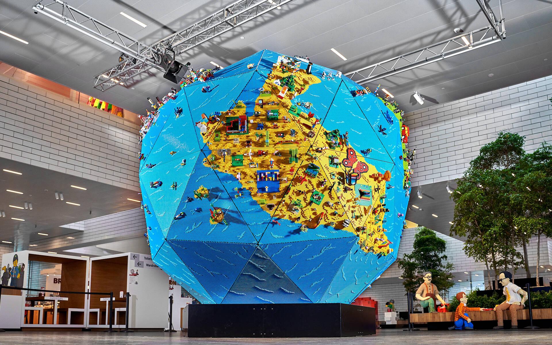 l'installazione creata per Rebuild the World