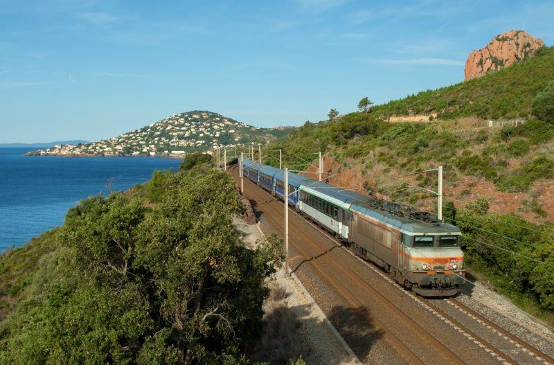 Le Train Bleu, il lussuoso treno francese notturno, tornerà presto sulle rotaie