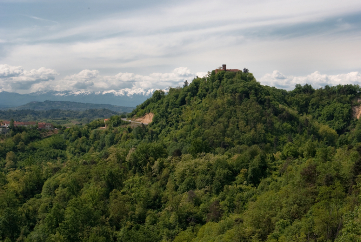 monteuroero_castello_rocche_03-746x500.jpg