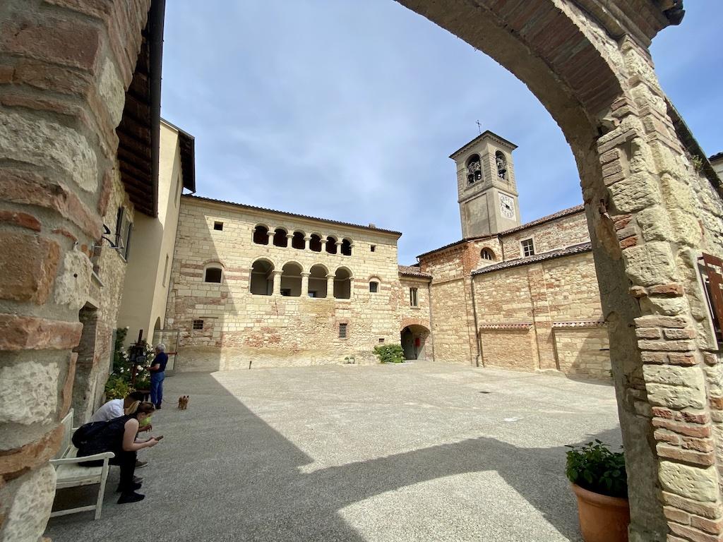 cellamonte-monferrato-eleonora-anello.jpeg