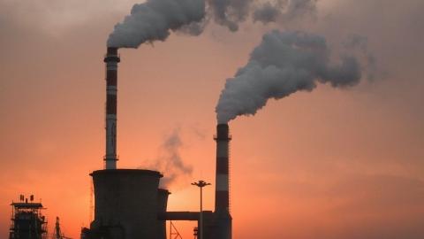 ReCommon denuncia le attività delle lobby fossili