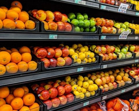 Solo la frutta esteticamente perfetta viene venduta nei supermercati