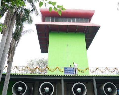 India torre mangia-smog