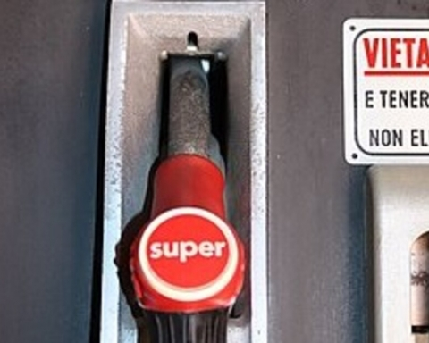 benzina con il piombo