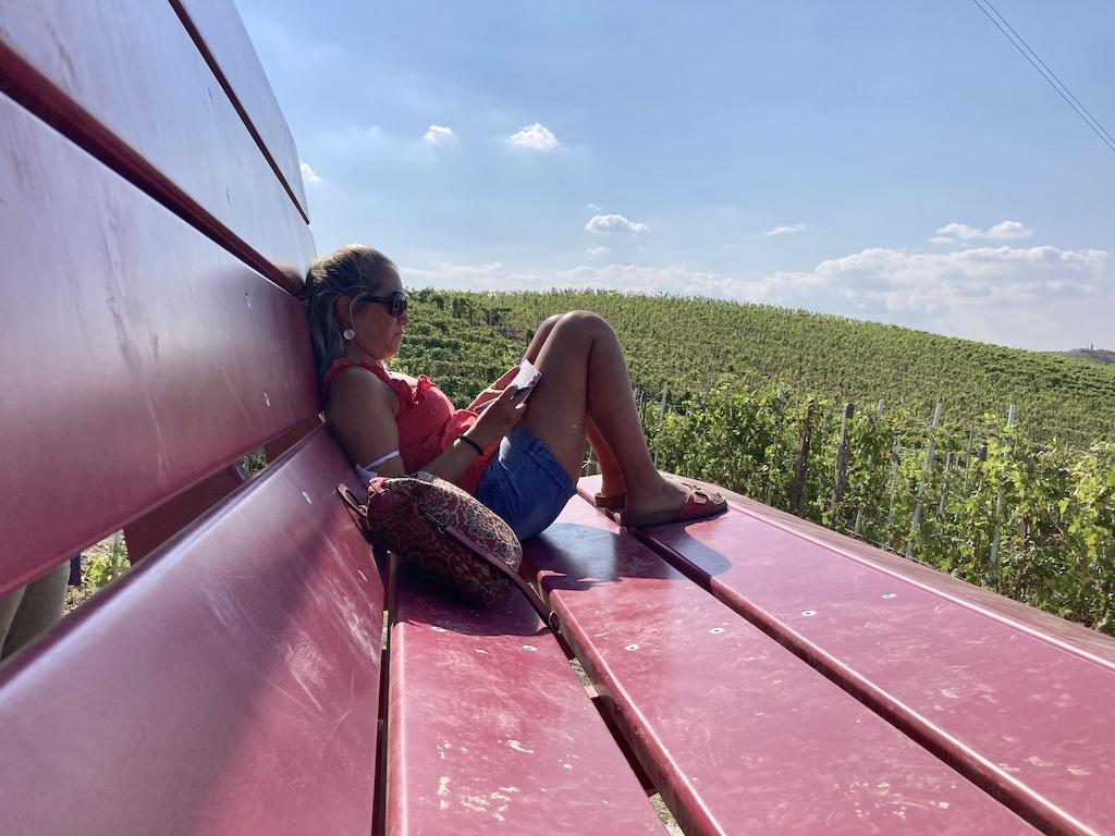 Castellinaldo d'Alba   Big Bench