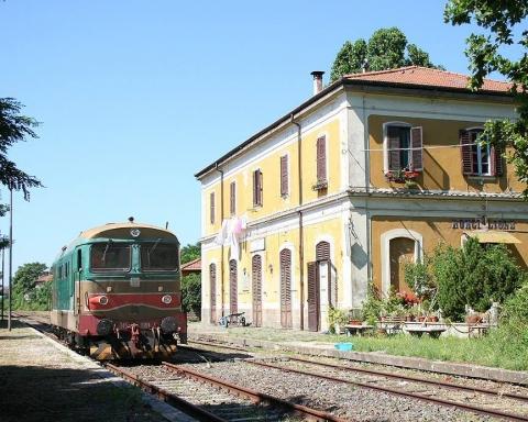 stazioni di treno abbandonate