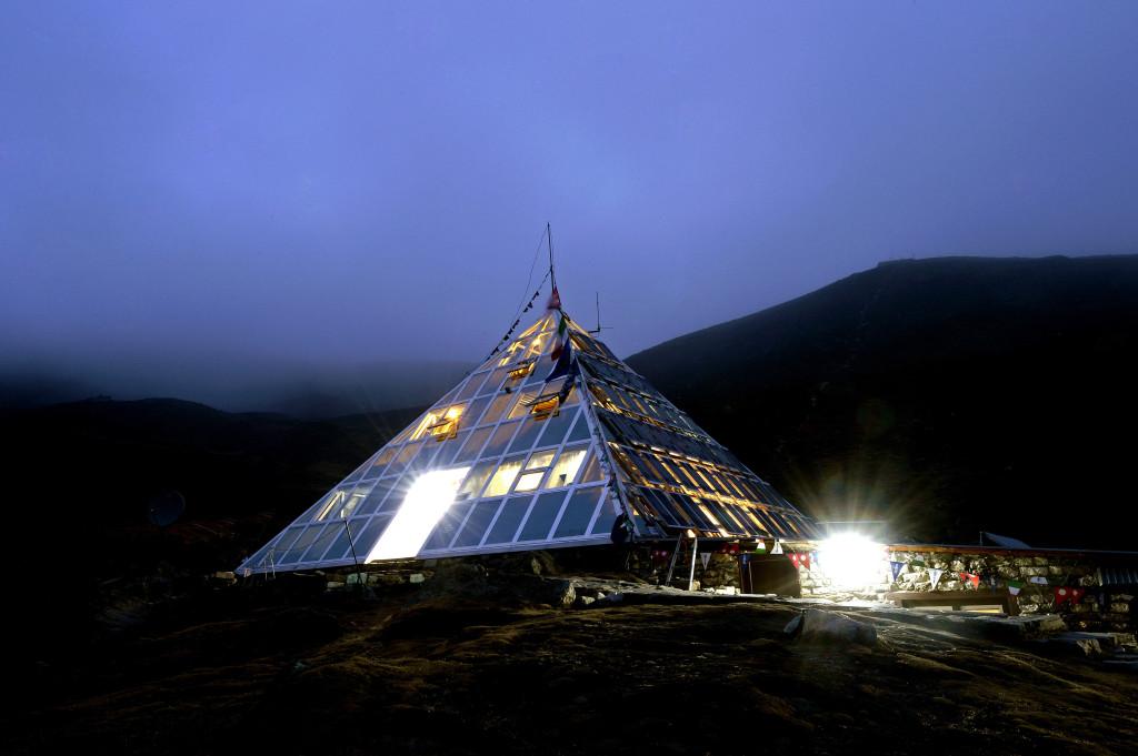 26 La tenda di luce_laboratorio della piramide 5050 mt. Nepal_eds