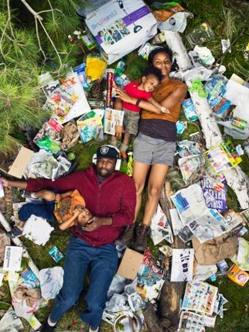7 days of garbage Elias, Jessica, Azal and Ri-karlo.