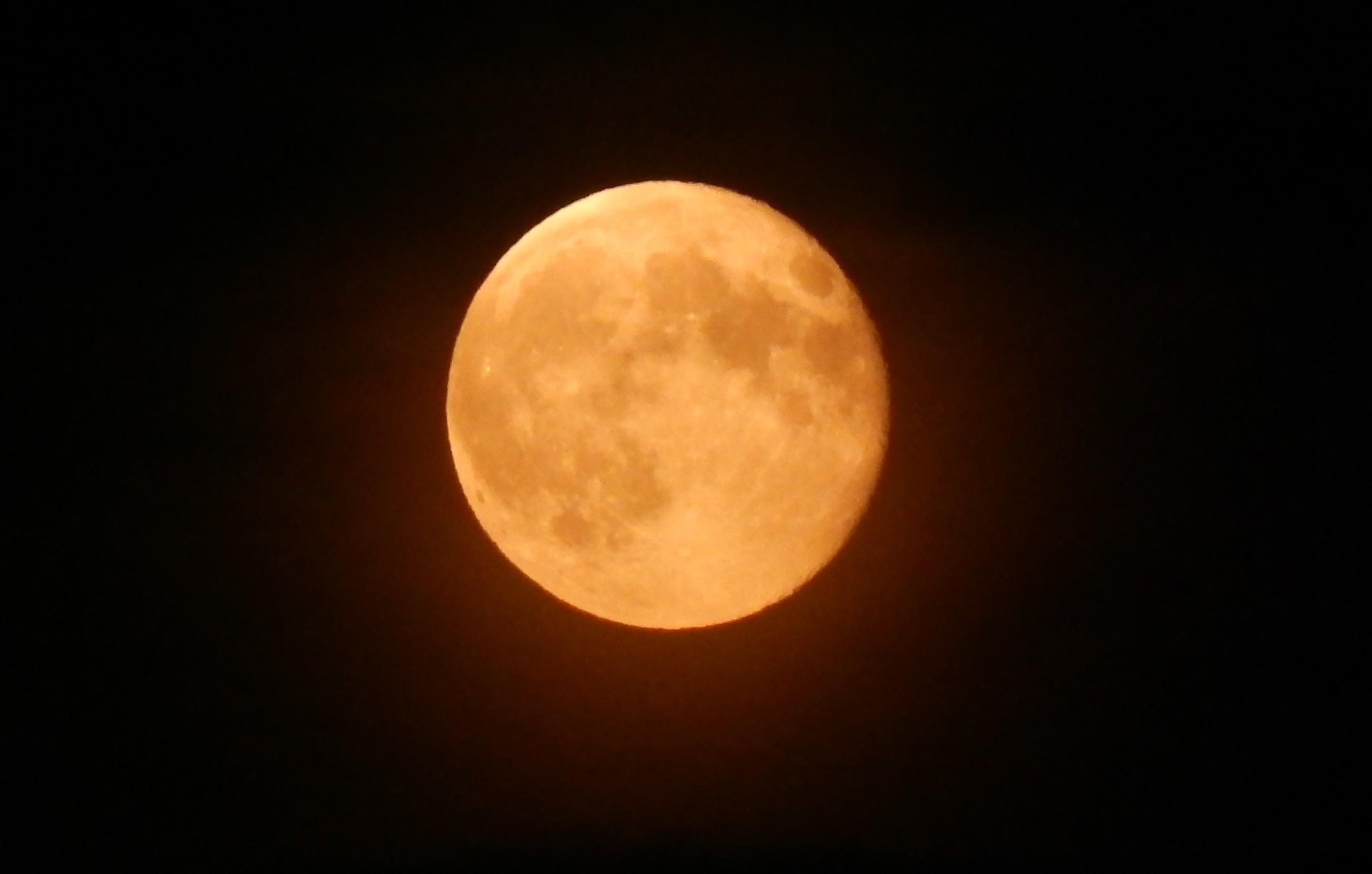 la luna al perigeo