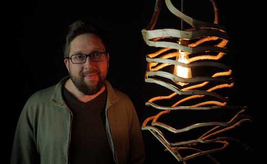Fg_Gavin-The-Lamp