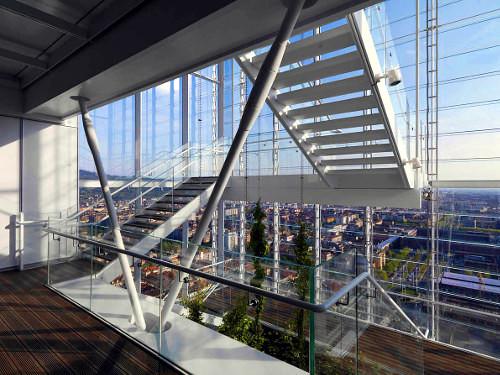 Torre di Renzo Piano: la scalinata vista dal lato sud. Photo Enrico Cano