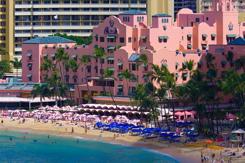 Il Royal Hawaiian Hotel cui fa riferimento il testo di Big Yellow taxi