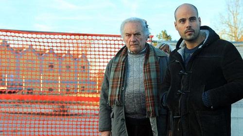 """I protagonisti di """"Un posto sicuro"""" sul set di Casale Monferrato"""