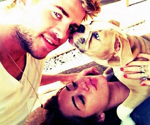 Liam Hemsworth con la fidanzata Miley Cyrus, entrambi eletti vegani più sexy