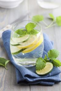 acqua cetriolo limone e menta