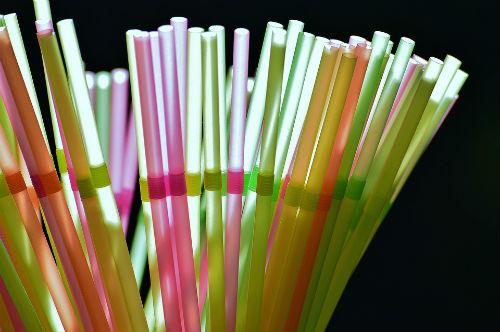 Cannucce di plastica e ambiente