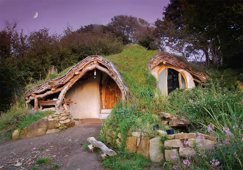 Eco-housing: Hobbit House