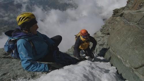 Marco Barmasse e Nicolò Bongiorno durante la scalata